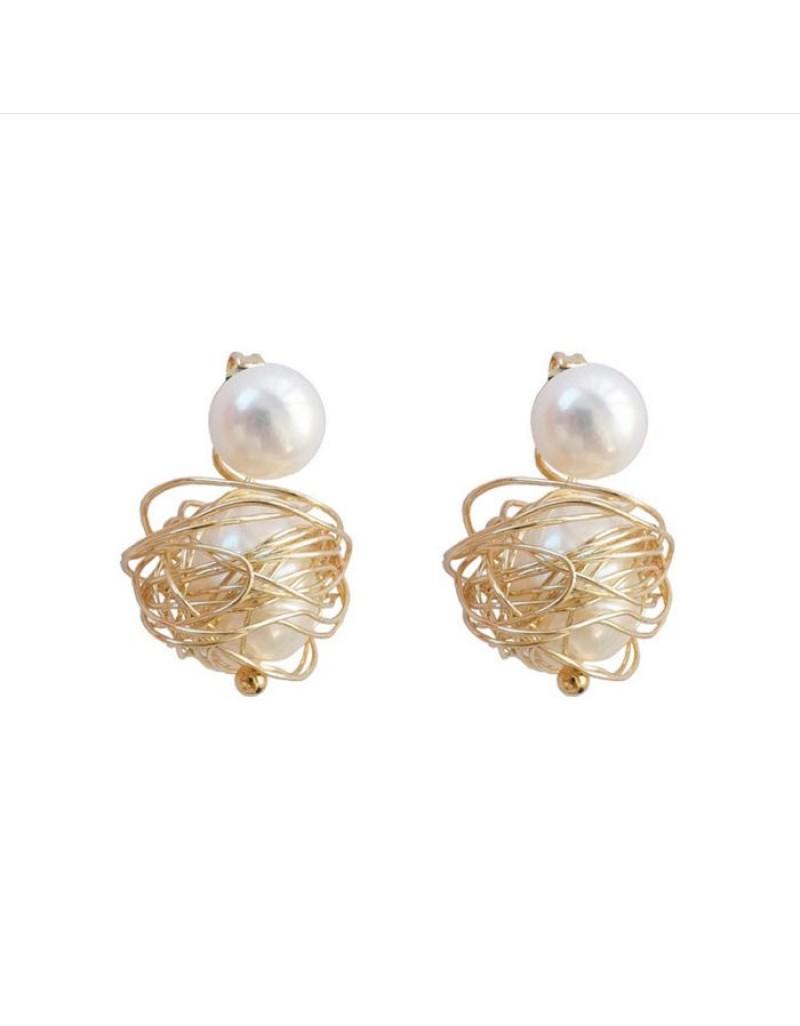 ORBITE Pearl Earrings