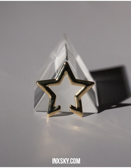 ESTELLE Star Ear Cuff