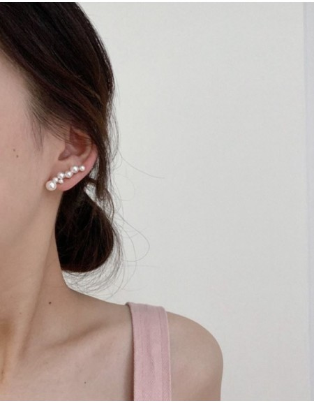 ISABELLE Gold Pearl Ear Climber