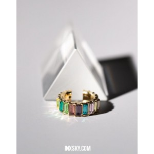 LOLA Rainbow Glass Stones Ear Cuff