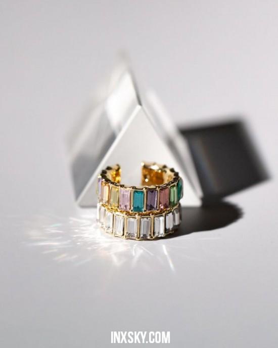 LOLA Rainbow Glass Stones Ear Cuff