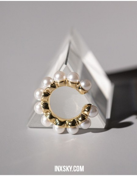NOEMIE Gold Pearl Ear Cuff