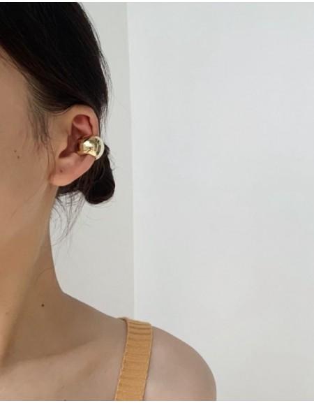 VICKIE Gold Chunky Ear Cuff