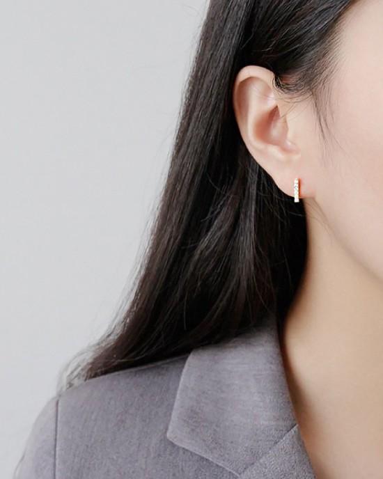ABBY Gold Vermeil T-Bar Earrings