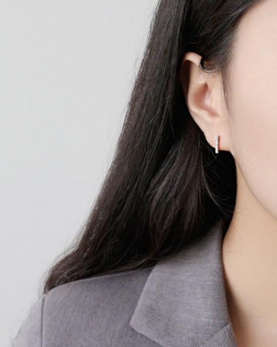 ABBY Sterling Silver T-Bar Earrings