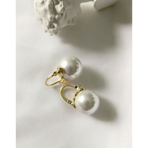 BELLA Pearl Drop Earrings