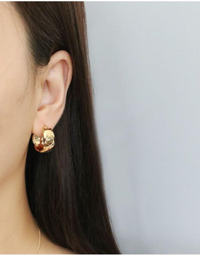 EVELYN Quilted Hoop Earrings