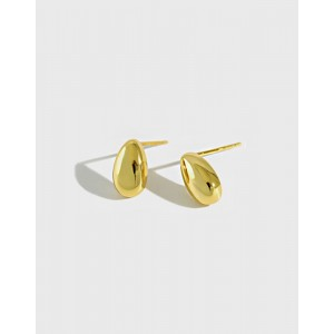 GIA Gold Vermeil Stud Earrings
