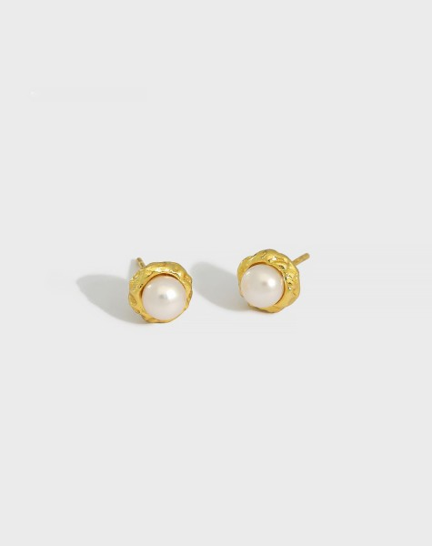 LILY Gold Pearl Stud Earrings