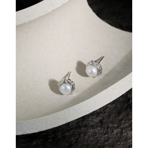 LILY Silver Pearl Stud Earrings