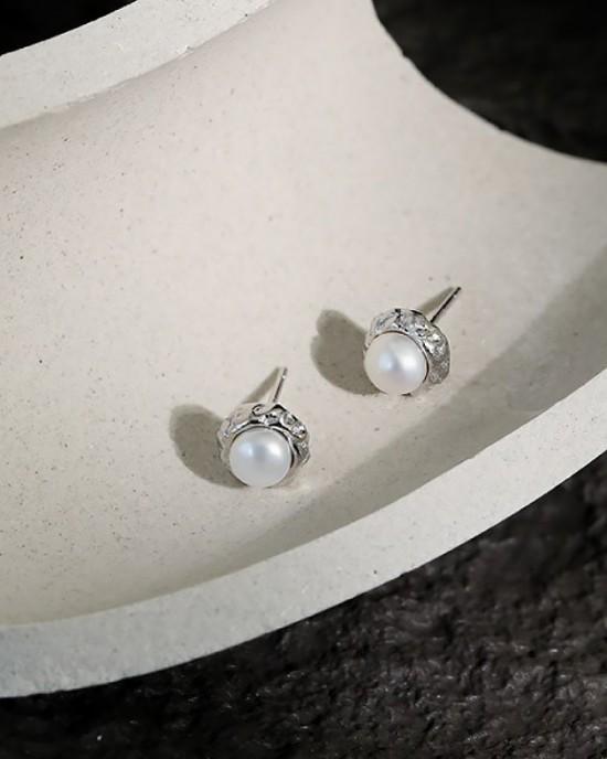 LILY Silver Pearl Stud Earrings
