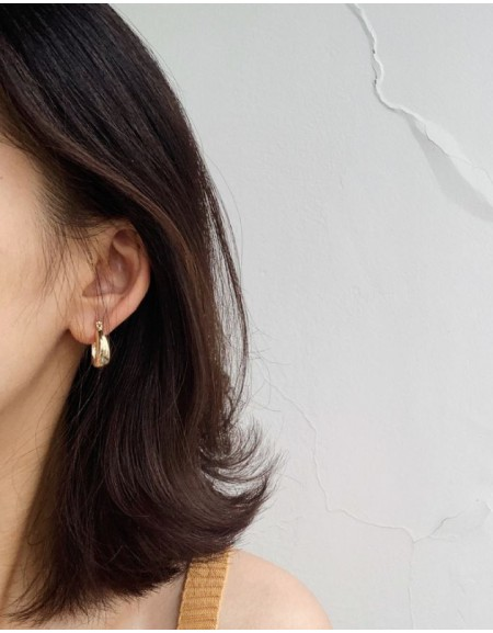 LYRA Gold Hoop Earrings | Small size