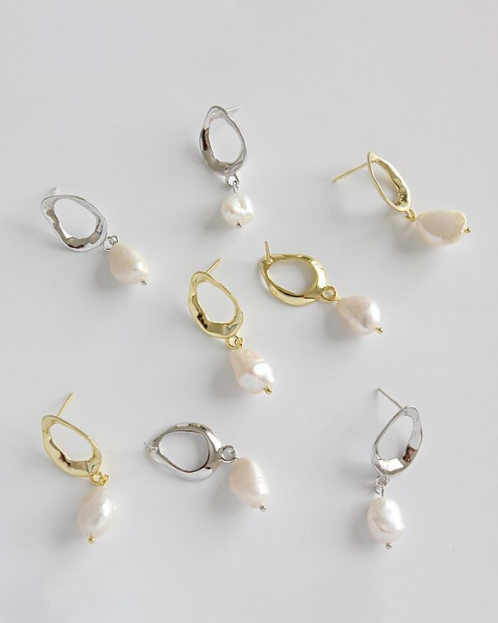 MEREDITH Gold Baroque Pearl Drop Earrings