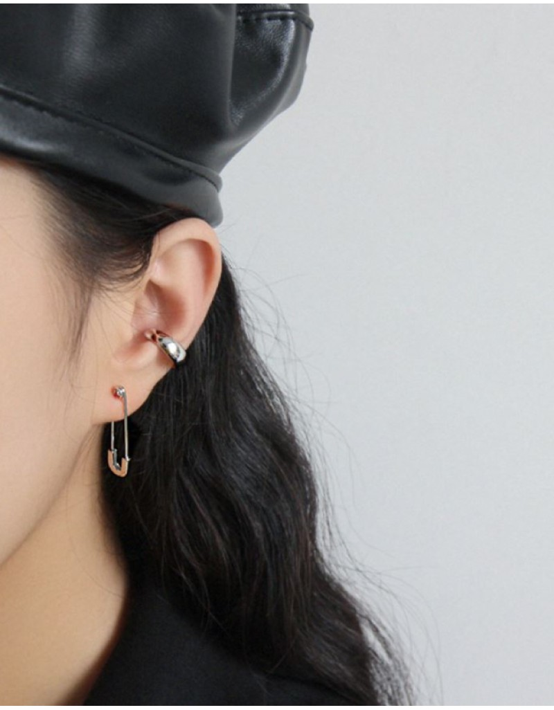SAFETY PIN Silver Earrings