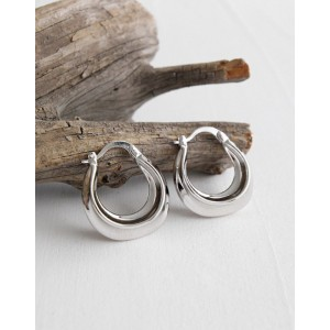 DAPHNE Silver Hoop Earrings