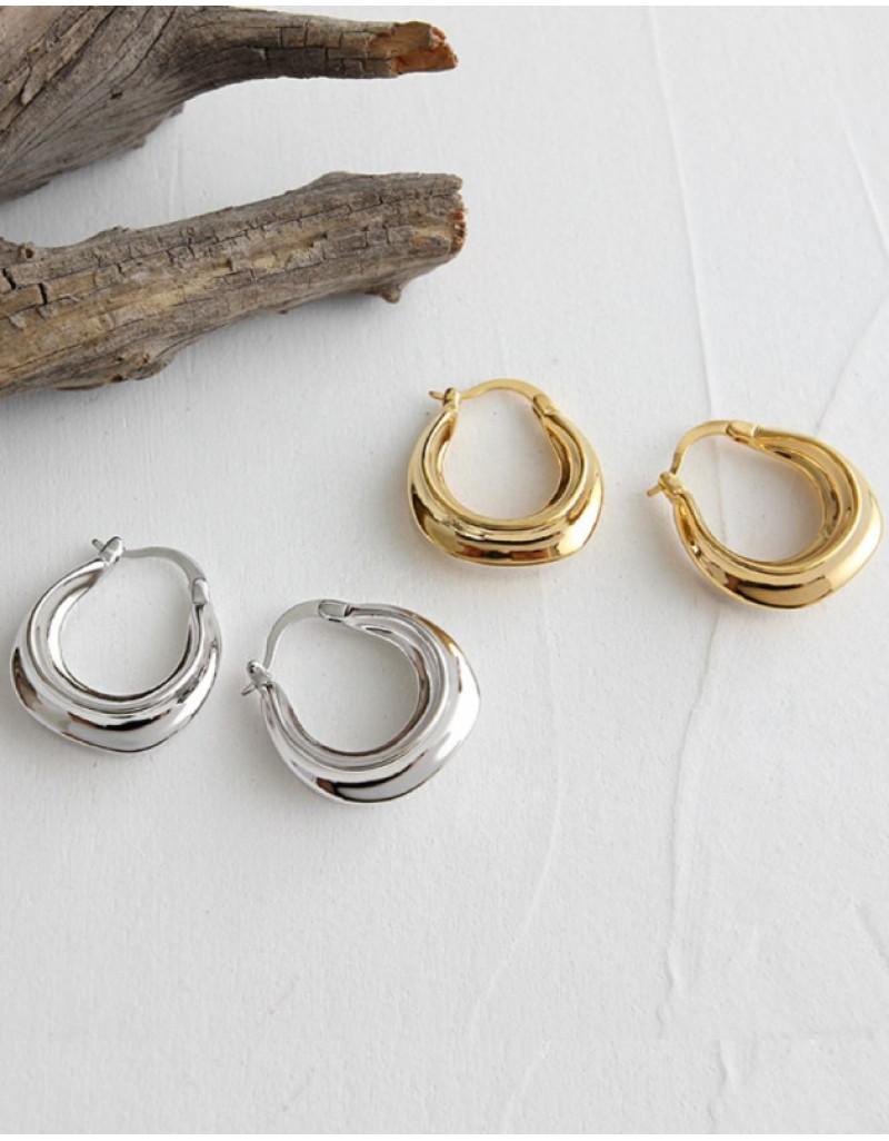 Daphne Silver Hoop Earrings