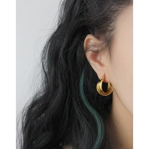 KIARA Gold Hoop Earrings