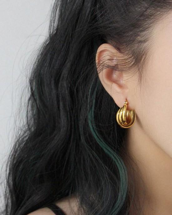 KIARA Gold Hoop Earrings