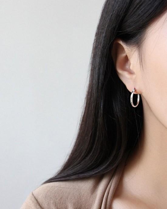 LISA Sterling Silver Hoop Earrings   Medium