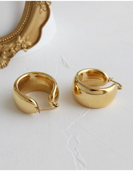 MADISON Gold Hoop Earrings