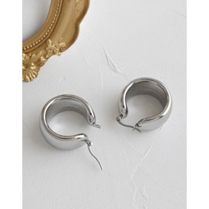 MADISON Silver Hoop Earrings