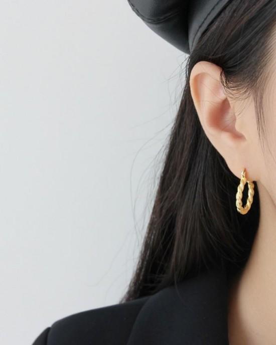 SAVANNAH Gold Vermeil Twisted Hoop Earrings