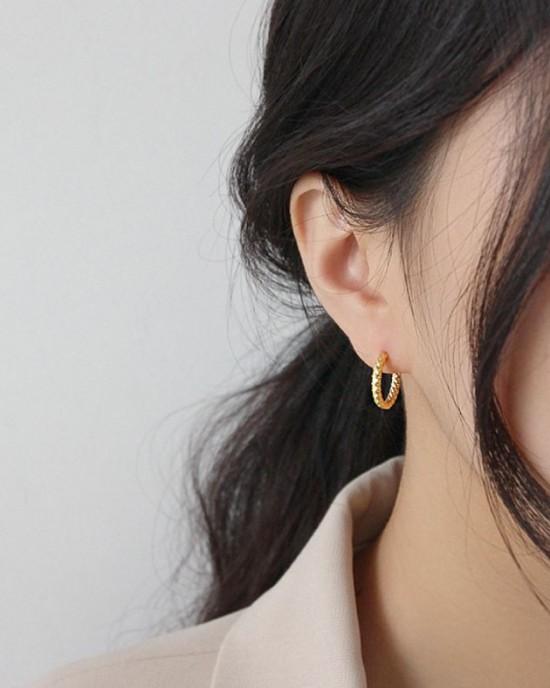 VEGA Gold Vermeil Hoop Earrings