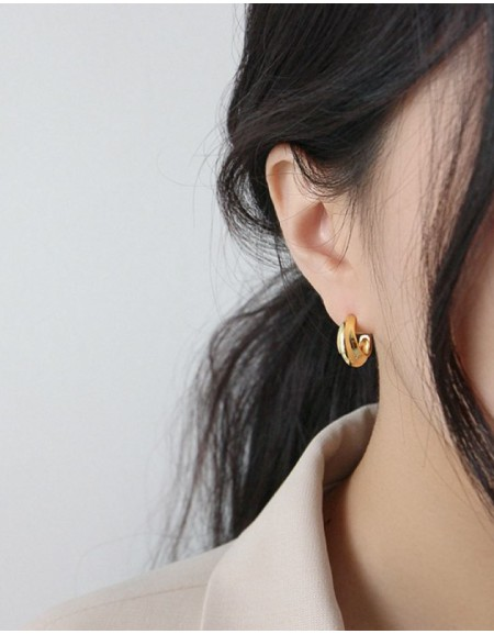 WILLOW Gold Hoop Earrings