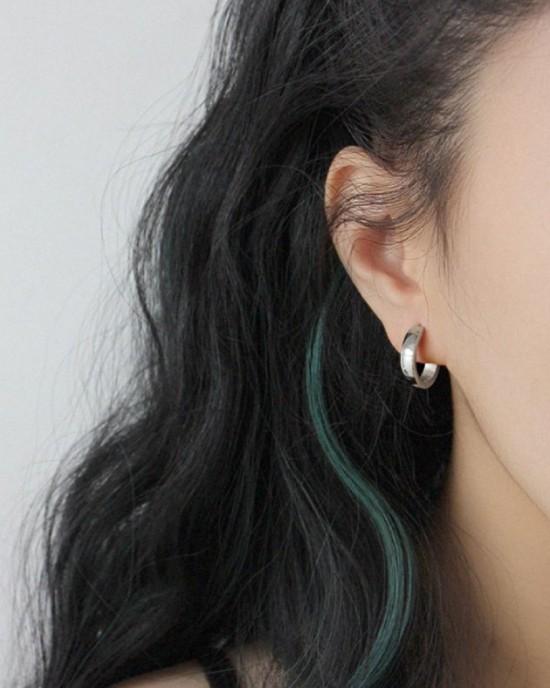 DANA Silver Huggies | Medium & Thin