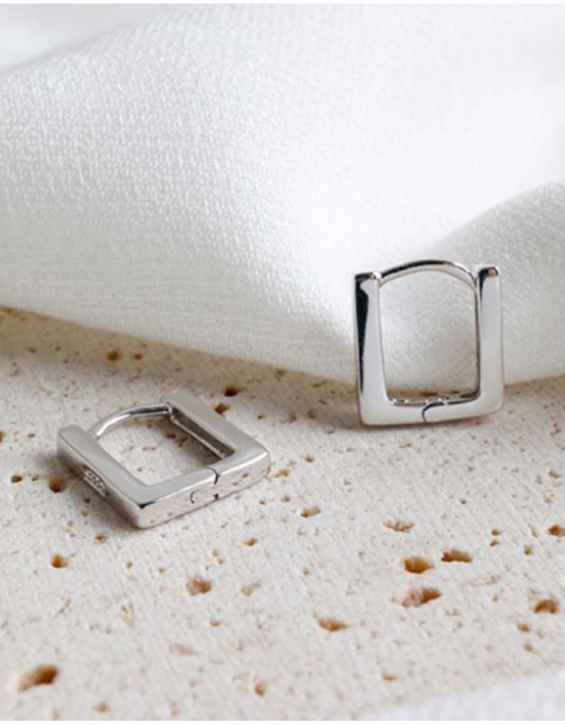 LEXI Silver Square Huggies   Medium