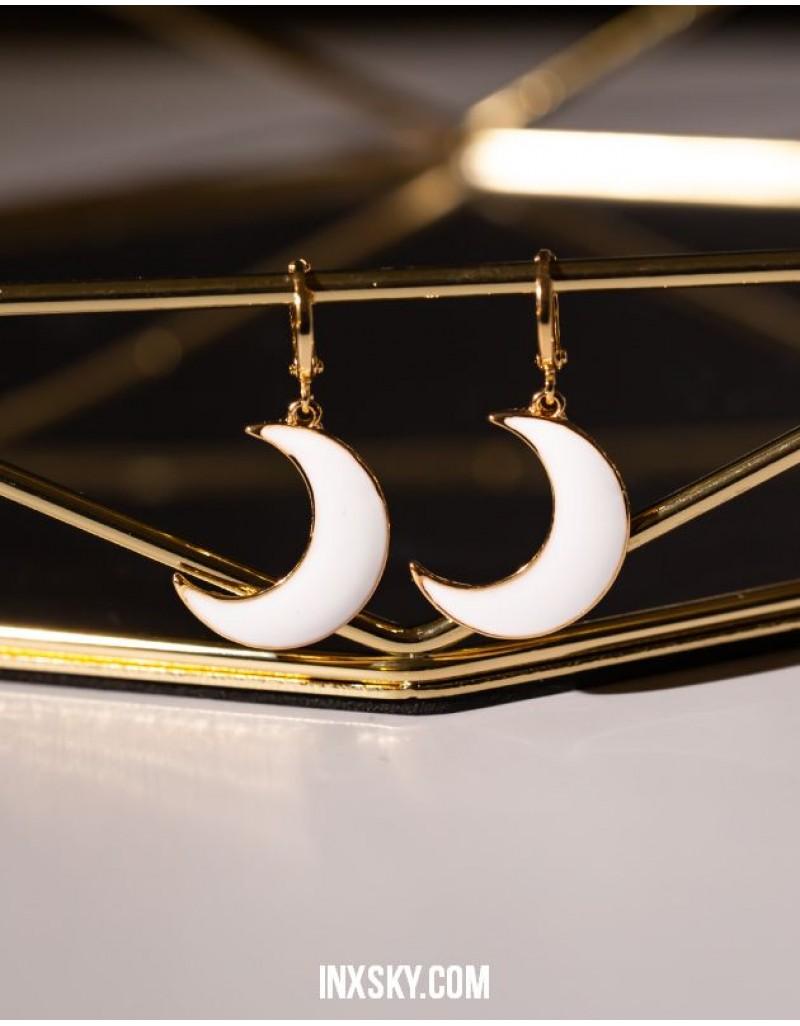 MONA Crescent Moon Huggies