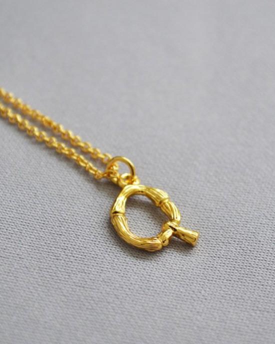 ALPHABET Necklace   Letter Q