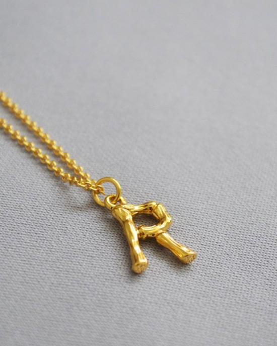 ALPHABET Necklace   Letter R