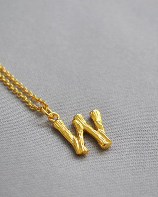 ALPHABET Necklace   Letter W