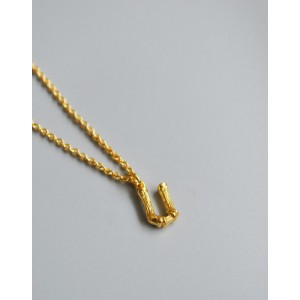 ALPHABET Necklace | Letter U