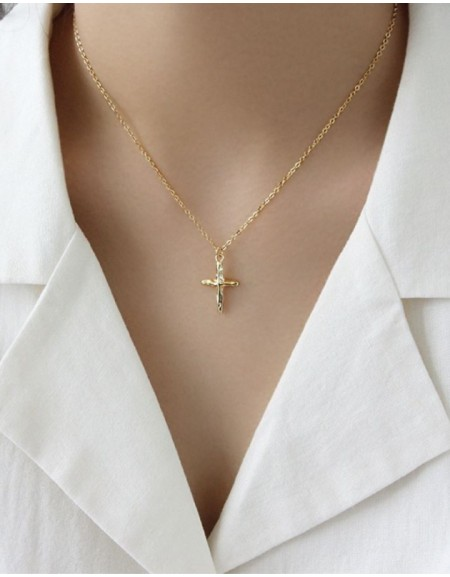 CRUCIFIX Gold Pendant Necklace