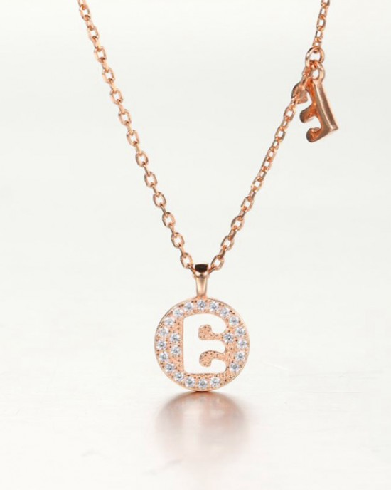 DIAMOND ALPHABET Necklace   Letter E