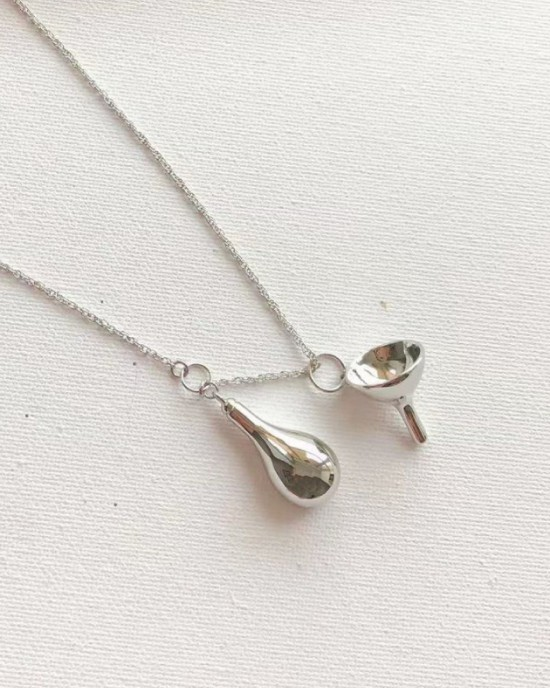 FUNNEL Silver Necklace