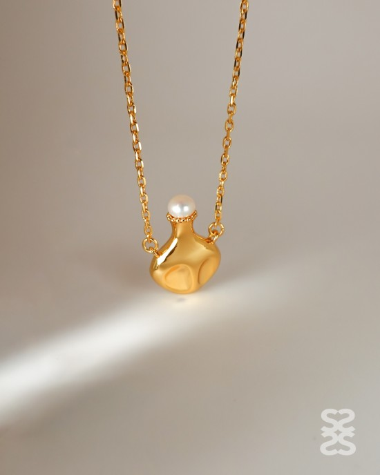 GENIE IN A BOTTLE Gold Necklace