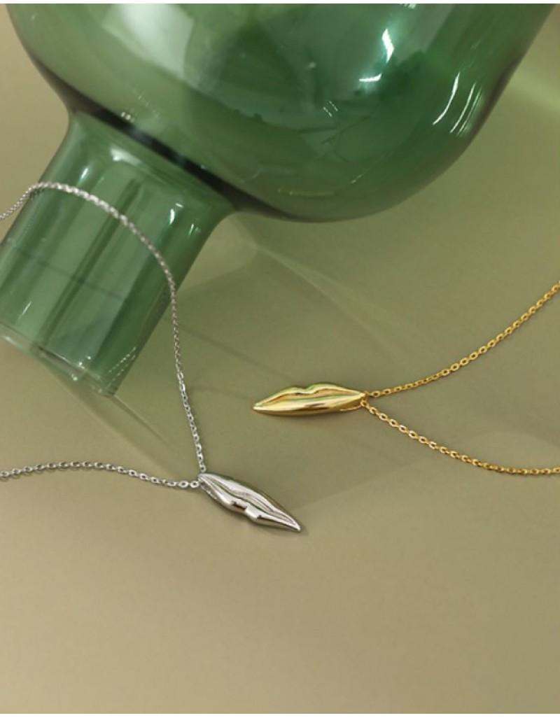 LIP KISS Gold Vermeil Necklace