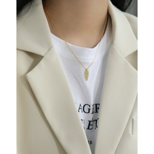 LIP KISS Gold Vermeil Necklace