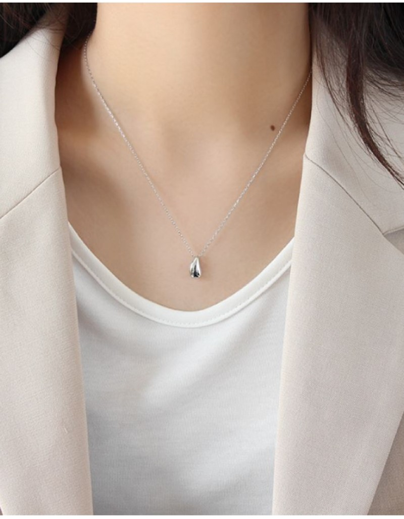 TEARDROP Silver Necklace