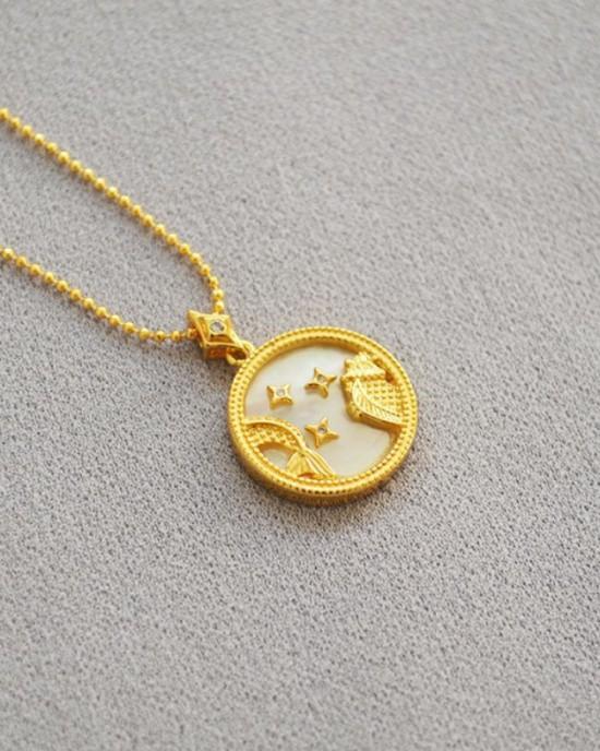 PISCES Zodiac Nacre Button Necklace
