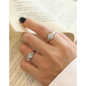 VENUS Sterling Silver Ring