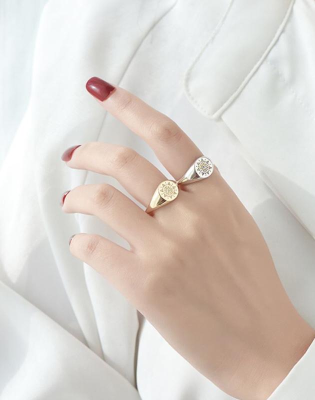 ELVEN Silver Signet Ring
