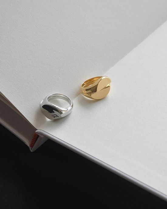 KAYLA Silver Signet Ring