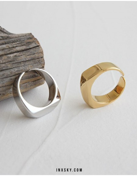 LAURA Gold Ring