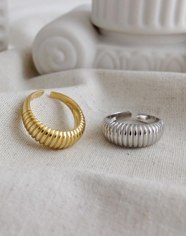 MARINA Silver Croissant Dome Ring