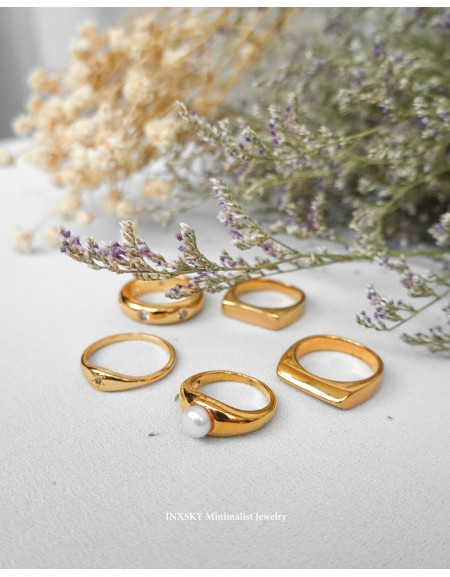 YULIA Gold Pearl Demi Signet Ring