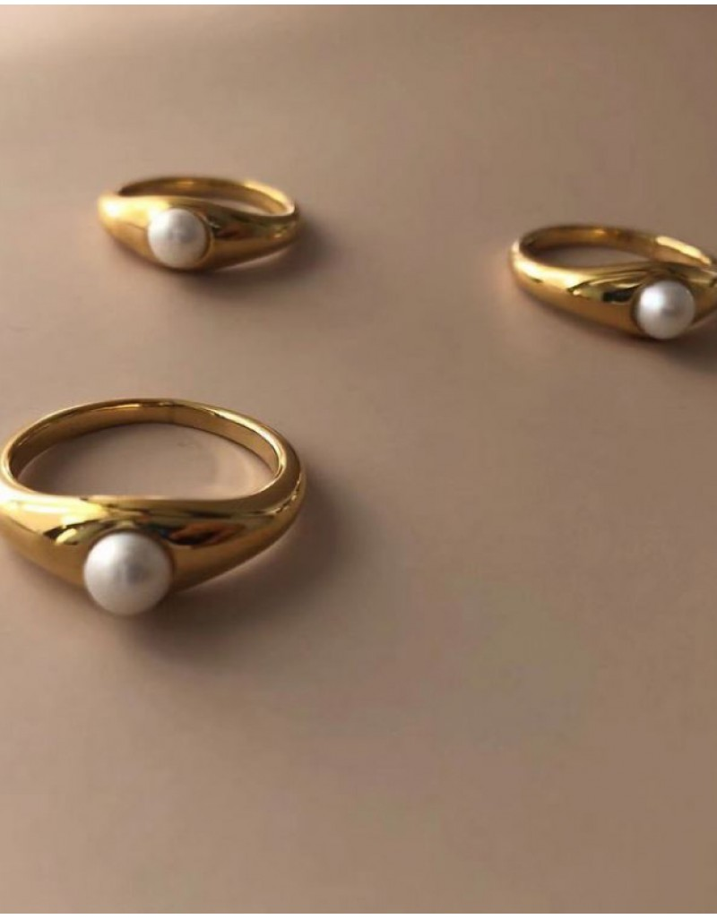 YULIA Gold Pearl Demi Signet Ring